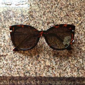 Loft tortoise framed sunglasses